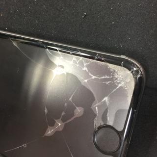 iPhone6s フロントパネル割れ アスファルトに負ける